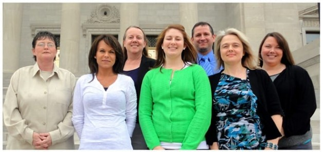 Dietetic Students Attend Luncheon at State Capital
